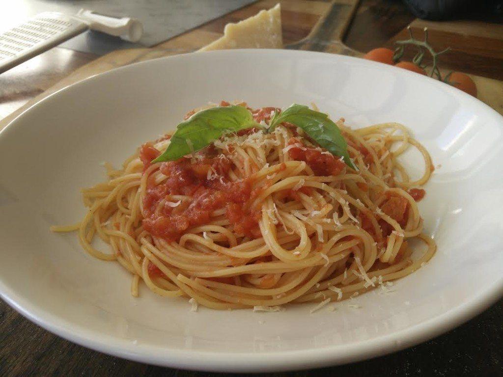 ספגטי ברוטב עגבניות - רומי נדלר